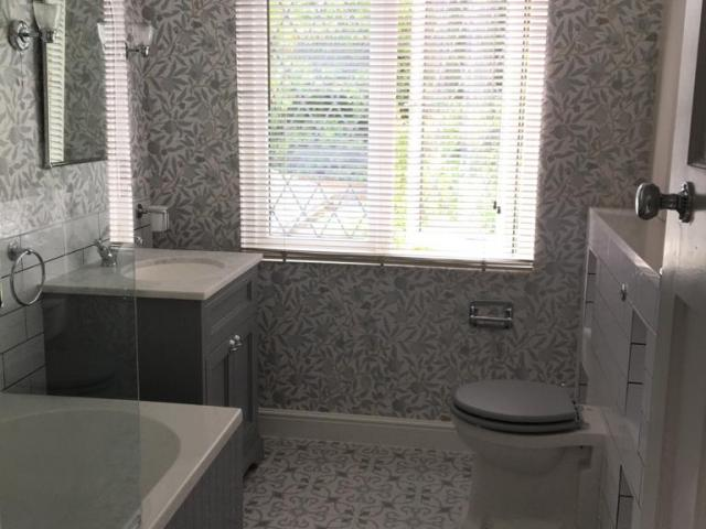 full bathroom renovation in coulsdon by igdbuilding